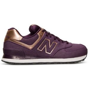 Trendy New Balance 574 Sneakers - size 9.5!